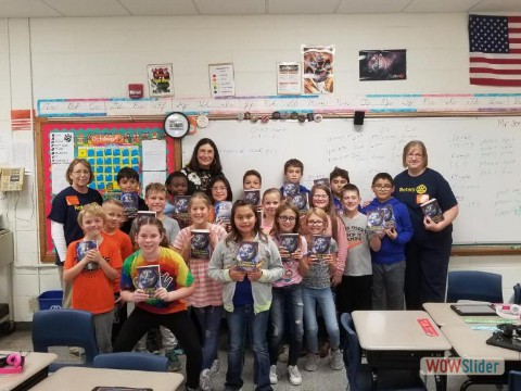 Marengo Rotary Donates Dictionaries